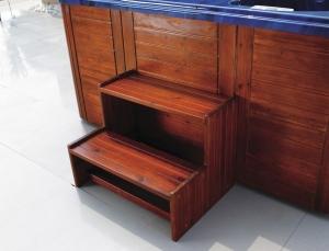 wooden-ladder2steps